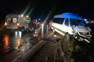 Accident cu două microbuze în județul Iași. Opt pasageri au ajuns la spital