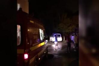Scandal între romi, într-un cartier din Ștefănești. Un bărbat a fost înjunghiat în abdomen