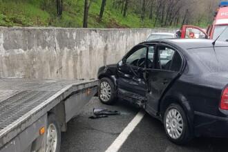 Un polițist care cerceta un accident rutier a fost lovit de o mașină, în Olt