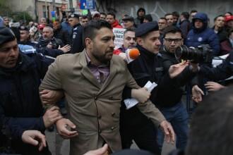 Trei bărbați, amendați de Jandarmerie în urma busculadei de la ICCJ. Reacția lui Dragnea. VIDEO