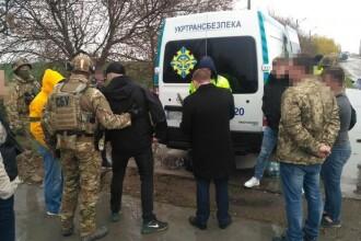 Spioni ruşi, prinşi când puneau la cale un asasinat înaintea alegerilor din Ucraina