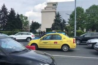 """Reacția taximetriștilor după ce au observat că un coleg n-a venit la protest. """"Fomistule!"""""""