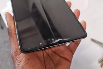 Probleme pentru Galaxy Fold, primul telefon Samsung pliabil. Ce s-a descoperit înainte de lansare