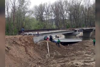 Pod prăbușit la Stoina, în Gorj, sunt victime. A fost activat planul roșu de intervenție