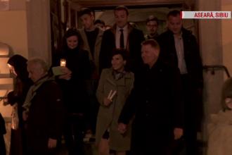 Cum a fost surprins cuplul Iohannis la slujba de Înviere de la Sibiu. Mesajul transmis