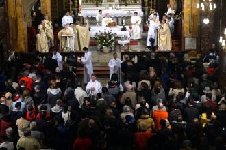 Paştele catolic. Lumea creştină occidentală sărbătoreşte învierea Domnului