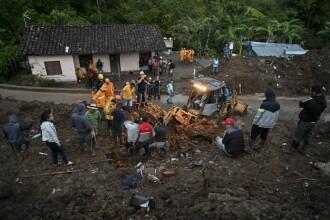 Cel puţin 19 morţi şi 16 persoane date dispărute în urma alunecărilor de teren din Columbia