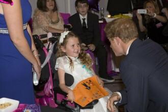 """Cum a reușit o fetiță cu dizabilități să fie model. """"Nu s-a gândit că va ajunge până aici"""""""