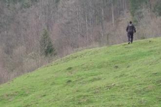 Cazul misterios al tinerei moarte dintr-o pădure din Reșița. Descoperirea făcută după necropsie