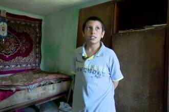 """""""Aici a murit tati"""". Orfan de la 11 ani, Vali ar putea primi încă o lovitură de la viață"""