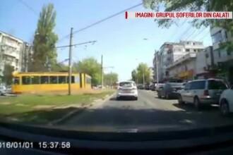 Momentul în care un tramvai a deraiat în Galați și a ajuns pe șosea