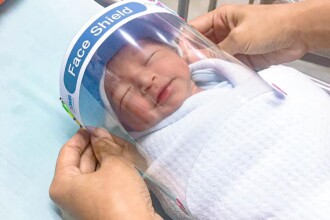 """Spitalul care oferă viziere pentru nou-născuți. """"Sunt atât de drăguți!"""""""