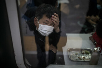 """Wuhan a ieșit din izolare. Rezidenți: """"Vă rugăm să învățați din greșelile noastre"""""""