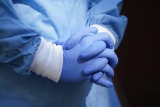 Coronavirus în România. INSP: Femeile sunt mai predispuse la îmbolnăvire; risc mai mare de deces în rândul bărbaților