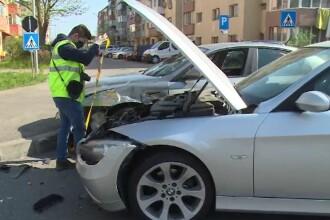 Accident violent în Târgoviște, după ce un tânăr nu a acordat prioritate într-o intersecție