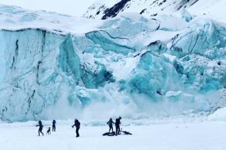 O plimbare de neuitat. A surprins prăbușirea peretelui unui ghețar
