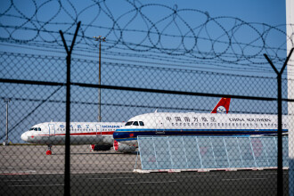 Bilete de avion la prețul unei legume. Cum vor să se relanseze liniile aeriene