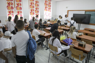 Elevii ar putea merge la școală de la 1 octombrie. Orban: S-a discutat acest lucru, dar nu avem o decizie