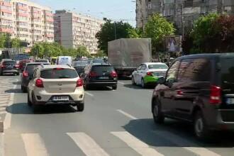 """Străzile Capitalei, pline de mașini: """"Să înceteze cu prostiile astea, ce coronavirus"""""""