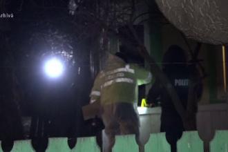 Un bărbat, suspectat că și-a omorât mama, după ce a anunțat la 112 că a murit