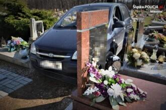 Dezastrul provocat de un șofer de 88 de ani într-un cimitir, după ce a intrat cu mașina printre morminte