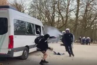 Farsă de 1 aprilie încheiată cu o confruntare între mii de tineri și poliție, în Belgia