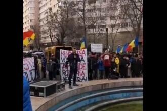 Protest împotriva restricțiilor, organizat în Piaţa Universităţii din Capitală