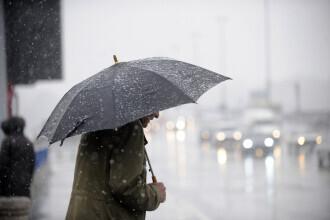 Vreme instabilă în țară, cu ploi și vânt puternic. Ce ne așteaptă în weekend