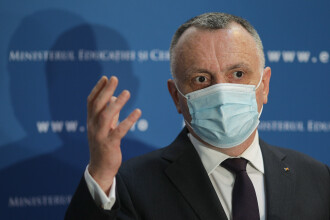 Ministrul Cîmpeanu: Au fost folosite sub 2% din testele antigen rapide puse la dispoziţie în şcoli