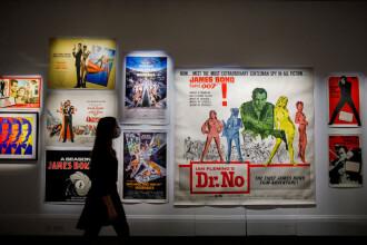 """Se oferă 1.000 de dolari pentru cei care reuşesc sa vizioneze toate filmele """"James Bond"""" în 30 de zile"""
