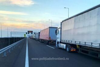 Coloane mari de camioane la frontiera cu Ungaria. Timpii de așeptare depășesc 6 ore
