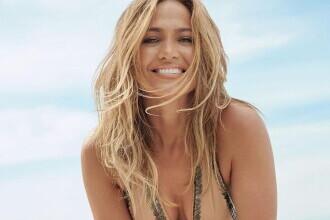 Jennifer Lopez face senzație cu cel mai recent pictorial pe plajă. GALERIE FOTO