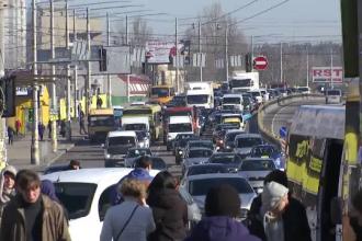 Țara europeană în care doar lucrătorii esențiali mai pot folosi transportul în comun