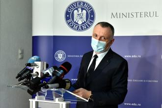 Sorin Cîmpeanu: Dacă vineri se depăşeşte incidenţa de 6 la mie, după regulile de astăzi şcolile intră în online