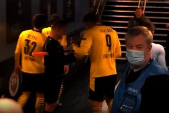 Moment controversat după meciul City-Dortmund. Octavian Şovre a fost surprins în timp ce îi cerea un autograf lui Haaland