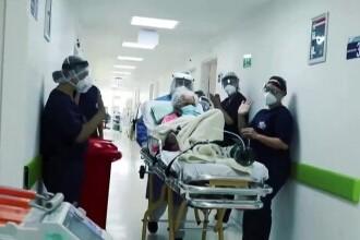 VIDEO. O bătrână din Columbia, în vârstă de 104 ani, a învins Covid-19 de două ori