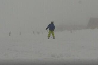 Vești bune pentru iubitorii sporturilor de iarnă. Până când se va putea schia în Poiana Brașov și la Rânca