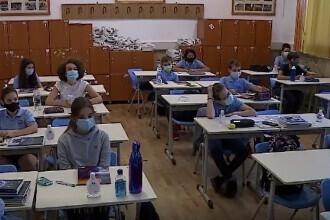 Bilanț după 10 zile de școală: Peste 3.300 de elevi și 1.190 de angajați s-au infectat cu Covid. De unde au luat virusul