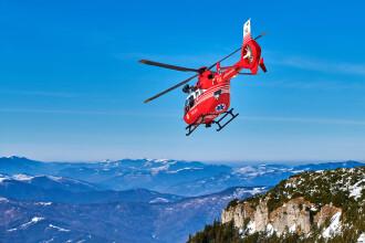 Accident la schi pe pârtia de la Șureanu. O femeie a fost preluată de elicopterul SMURD