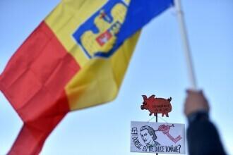 Protest împotriva restricţiilor, în faţa Palatului Cotroceni. Manifestaţia trebuia să se încheie la 19:30