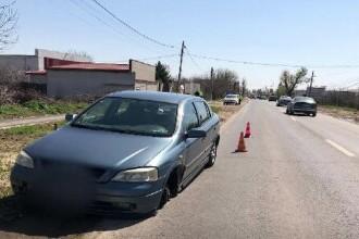 Roata unui autoturism s-a desprins în mers pe DN1A. Un bărbat a fost rănit
