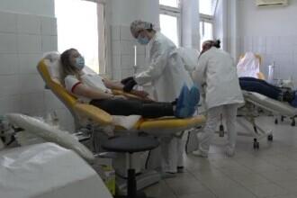 """Studenții din Târgu Mureș au devenit voluntari: """"Donează sânge - Fii erou!"""