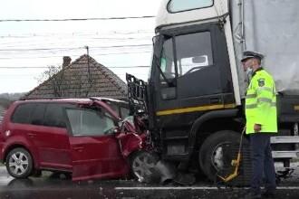 """Accident grav cu o tânără de 20 de ani, care s-a izbit de un camion: """"Am impresia că mânca"""""""