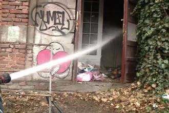 Incendiu la o clădire abandonată din Cluj, unde se adăposteau oamenii străzii
