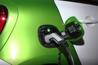 Mașinile electrice, tot mai populare în România. Câţi bani dă statul prin Rabla şi Rabla Plus