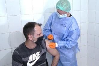 Spitalul unde românii se pot vaccina anti-COVID la orice oră. Cum se pot programa noaptea