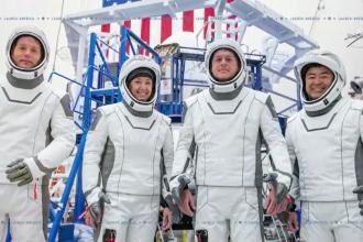 """Space X lansează vineri racheta """"Falcon 9 Booster"""" cu patru astronauți la bord"""