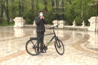 Cât costă bicicleta cu care a mers Klaus Iohannis la Cotroceni în această dimineață