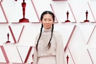"""Premiile Oscar 2021. Chloe Zhao (""""Nomadland""""), desemnată câștigătoarea pentru """"cel mai bun regizor"""""""