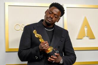 """Câștigătorul """"celui mai bun rol masculin secundar"""" de la Oscar a uimit pe toată lumea cu discursul lui"""